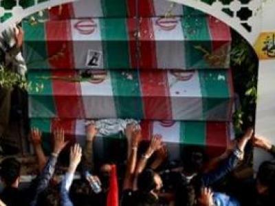 تصویر از تشییع شهدای گمنام و مدافع حرم در نصفجهان