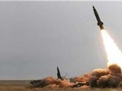 تصویر از شلیک یک موشک بالستیک به سمت پایگاه گادر ملی عربستان در نجران
