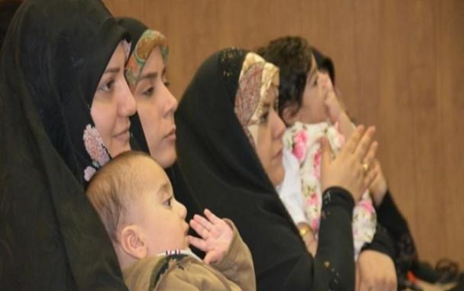 تصویر از همایش تجلیل از همسران مدافعان حرم در کرمانشاه