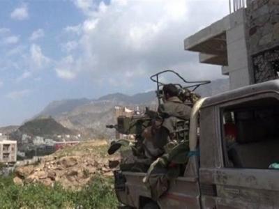 تصویر از حمله نیروهای یمنی به مواضع متجاوزان سعودی در منطقه «عسیر»