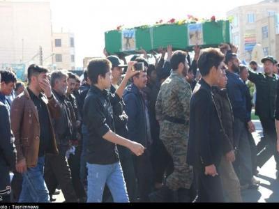 تصویر از مرکزی| پیکر مطهر شهید غلامحسینی در ساوه تشییع شد