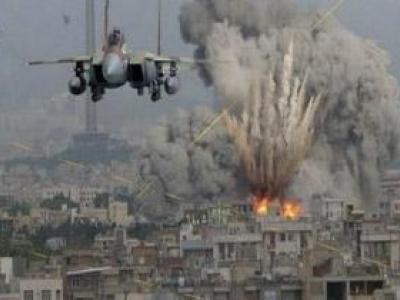 تصویر از حمله وحشیانه جنگندههای سعودی به فرودگاه صنعا