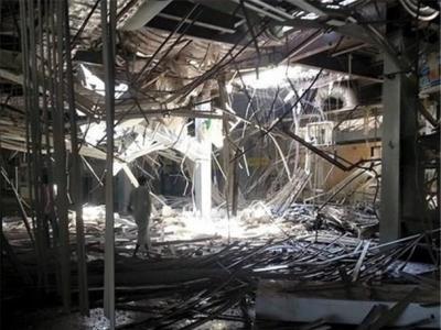 تصویر از چندین انبار حاوی کمکهای امدادی در یمن در آتش سوخت