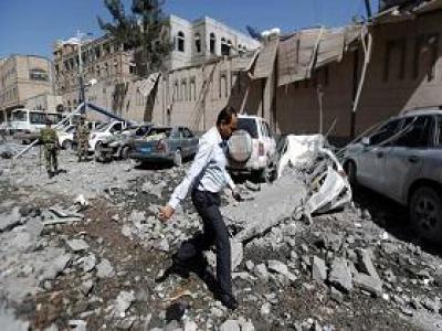 تصویر از تعهد انصارالله به دادن پاسخ شکننده به حملات ائتلاف عربستان به ساختمان ریاستجمهوری یمن