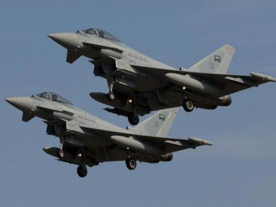 تصویر از جنگنده های سعودی صنعا را بمباران کردند