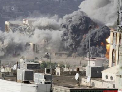 تصویر از یورش وحشیانه هوایی و دریایی سعودیها به جنوب الحدیده
