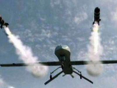 تصویر از توقف پروازهای فرودگاه ابوظبی به دنبال حمله پهپادی یمنیها