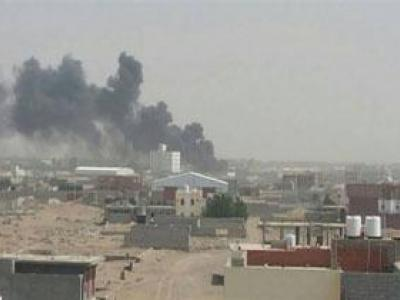 تصویر از حمله جنگندههای متجاوز سعودی به فرودگاه الحدیده