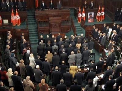 تصویر از خشم تونسیها از دخالت سفیر سعودی/ سایت های چهارزبانه ایندیپندنت با شراکت عربستان