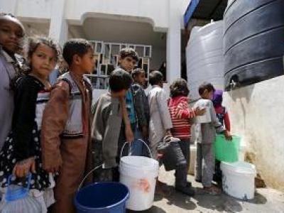 تصویر از حمله هوایی متجاوزان سعودی به مرکز تامین آب جزیره کمران یمن