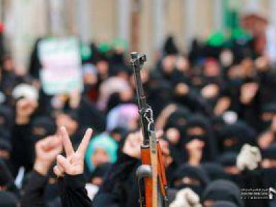 تصویر از آن زن فاحشه را میبینند و این زنان مجاهد را نه +تصاویر