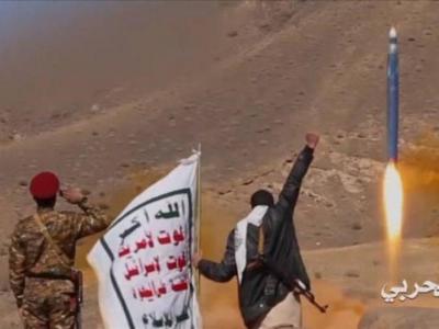 تصویر از تحولات یمن|شلیک موشک بالستیک به تجمع متجاوزان در مأرب / انهدام خودروهای مزدوران در ساحل غربی