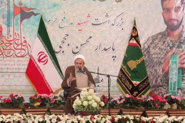 تصویر از اصفهان| پناهیان: باندهای مافیایی اجازه مردمیشدن اقتصاد را نمیدهند؛ نیازمند مدیرانی با خلوص نیت شهید حججیها هستیم