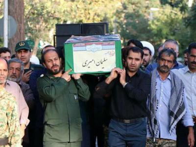 تصویر از پیکر پاک شهید مدافع حرم در دلیجان تشییع شد