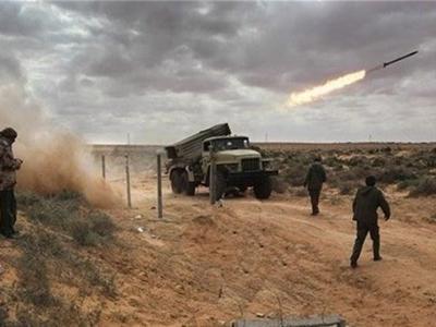 تصویر از یمن|شلیک ۲ موشک زلزال به مواضع متجاوزان سعودی/ زخمی شدن ۱۹ شهروند در حملات عربستان