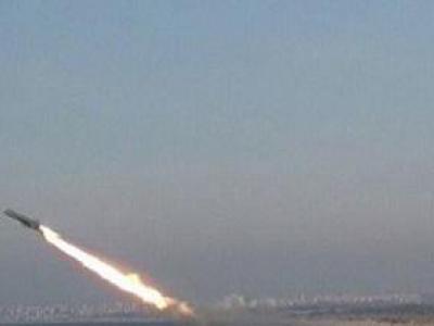 تصویر از شلیک موشک بالستیک زلزال ۱ به مواضع مزدوران سعودی در غرب مارب