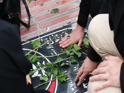 تصویر از گلباران مزار شهدای اراک در هفته بسیج+عکس