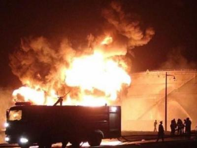 تصویر از الحوثی: آتشسوزی پالایشگاه عدن کار متجاوزان است