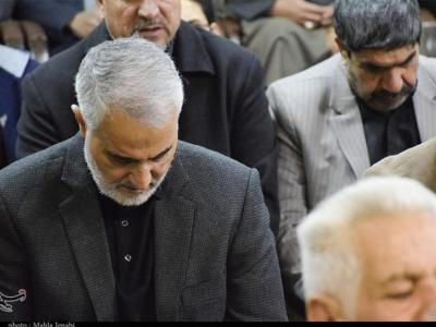 تصویر از حضور سردار سلیمانی در مراسم عزای فاطمی در کرمان + تصاویر
