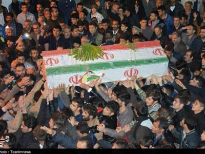 تصویر از پیکر شهید مدافع حرم اسدی به زادگاهش بازگشت
