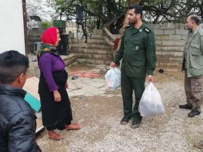 تصویر از کمکرسانی گروه جهادی شهید مدافع حرم سعید کمالی در روستاهای سیلزده ساری +تصاویر