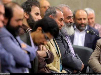 تصویر از از شهدای فاطمیون تا خلیج همیشه فارس؛ نگاهی به اشعار خوانده شده در محضر رهبر انقلاب