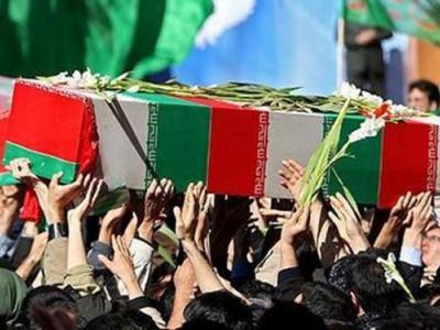 تصویر از پیکر آخرین شهید مدافع حرم دیار پانزده خرداد در راه میهن