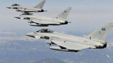 تصویر از جنگندههای ائتلاف سعودی-اماراتی پایتخت یمن را بمباران کردند
