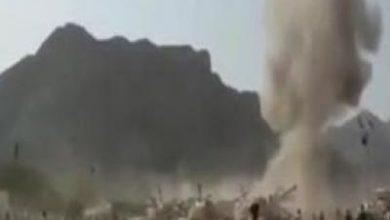 تصویر از فیلمی از لحظه برخورد موشک یمنیها به اردوگاه مزدوران سعودی در عدن