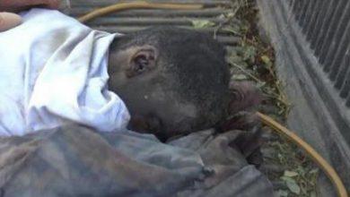 تصویر از حمله جنگندههای متجاوز سعودی به یک منزل مسکونی در استان «ضالع» یمن + تصاویر (۱۴+)