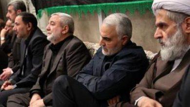تصویر از سردار سلیمانی در مراسم عزاداری بیت رهبری