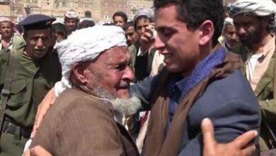 تصویر از آزادی ۶ اسیر ارتش و کمیتههای مردمی یمن
