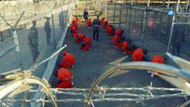 تصویر از رمزگشایی نماینده پارلمان فرانسه از زندان گوانتاناموی شماره ۲ در یمن