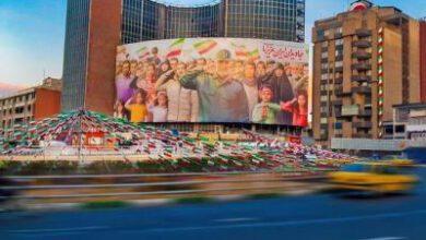 تصویر از دیوارنگاره جدید میدان ولیعصر(عج) عطر دهه فجر و حاج قاسم را گرفت+عکس